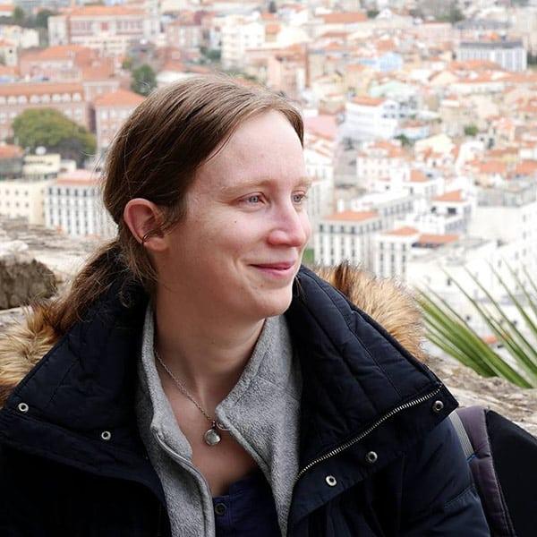 Estelle Courdoisy, Chef de projet et développeuse front